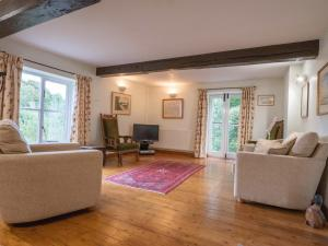 A seating area at Beautiful eco cottage in Cheshire