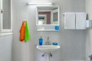 A bathroom at Travel Resort