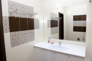 A bathroom at Шикарная, просторная 2к. квартира на Исанова-Рыскулова