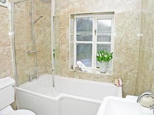 Ванна кімната в Waters Edge
