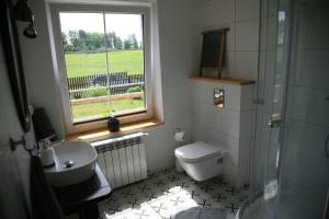 A bathroom at Dom w akacjach