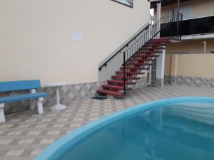 A piscina localizada em Praia da Maria ou nos arredores