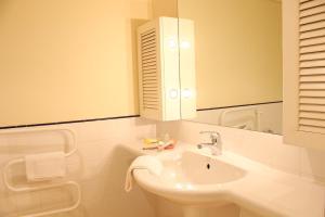 Bathroom sa Bruce Waterfront Apartments