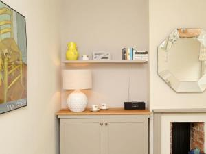 A kitchen or kitchenette at Number 163