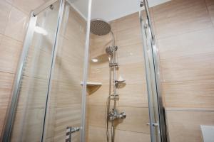 A bathroom at Vila Telalović