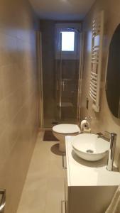 A bathroom at La casita azul