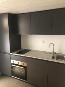 A kitchen or kitchenette at VBorromei