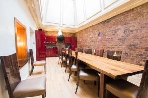 A restaurant or other place to eat at Signature Living Bold Street