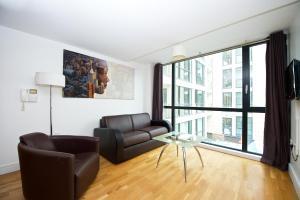 Ein Sitzbereich in der Unterkunft Staycity Aparthotels Duke Street