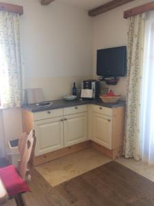 Küche/Küchenzeile in der Unterkunft Landhaus Armstorfer