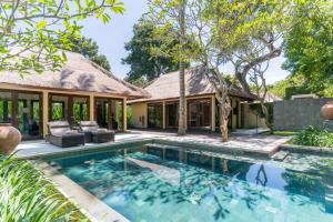 The swimming pool at or close to Kayumanis Nusa Dua Private Villa & Spa