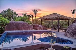 The swimming pool at or near Rocks Villa - Breathtaking sea view - Swimming Pool - Beach side
