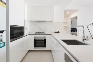 A kitchen or kitchenette at Arise on Hope Street
