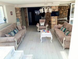 A seating area at Villa Moon