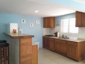 A kitchen or kitchenette at Ocean Shore