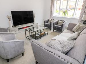 A seating area at 6 Whitecraigs Crescent