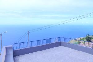 Uma varanda ou terraço em House of Massapez | Calheta