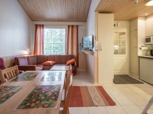 A seating area at Holiday Home Yllästar 1 as 209 (la-la)
