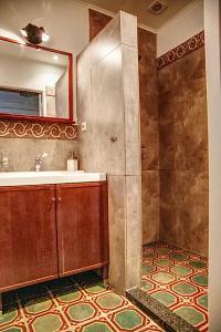 A bathroom at Inne Schuur