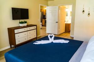 A bed or beds in a room at Orlando Vacation Rental 15 Miles From DISNEY