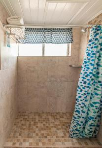 Ванная комната в Worthing Court Apartment Hotel
