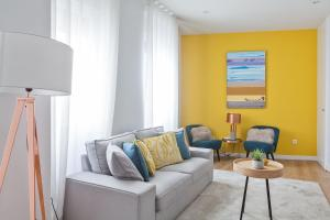 A seating area at Canaan Boutique Apartments Madrid