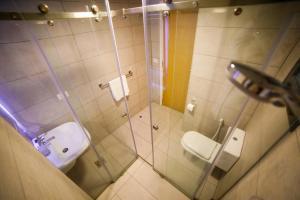 A bathroom at White House Apartments