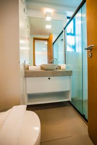A bathroom at Macuco Residence