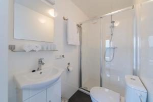 A bathroom at Boatlodge