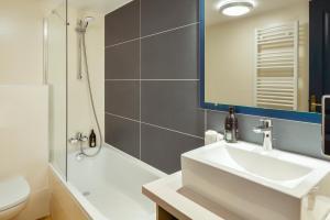 Salle de bains dans l'établissement Aparthotel Adagio Monaco Palais Joséphine