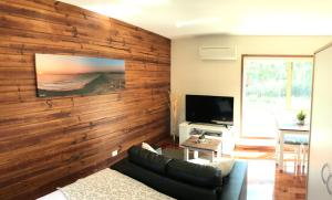 A television and/or entertainment center at Loma Cottages