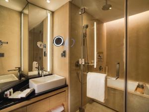 Ванная комната в Fraser Suites Guangzhou