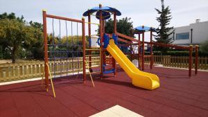 De kinderspeelruimte van Quinta Das Figueirinhas & Quintinha Village