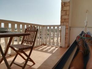 A balcony or terrace at Apartments Mistral Estoril Beach