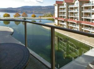 Sunset Waterfront Resort Kelowna Canada Booking Com