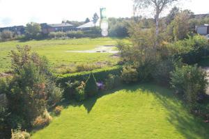 Ein Garten an der Unterkunft Bisschen Schicker...