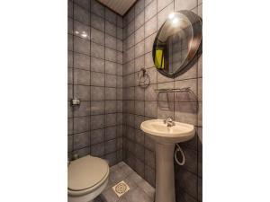 A bathroom at Apto no open shopping Jurerê Internacional CDS208