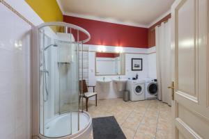 Ein Badezimmer in der Unterkunft Liliova Apartments