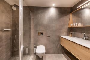 A bathroom at Annapurna
