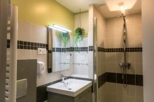 A bathroom at La collegiale