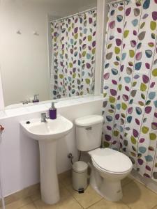 A bathroom at Depto Marga Marga Quilpué