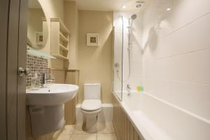 A bathroom at The Apartments @ Quidhampton Mill