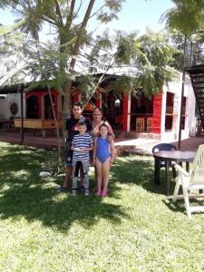 Una familia en Lo De Juan Departamentos