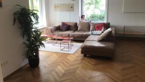A seating area at Schönes Haus mit Garten in bester Lage Böblingens