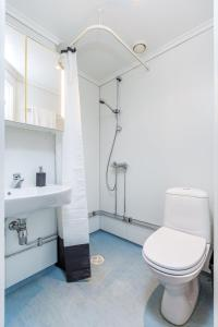 A bathroom at Forenom Serviced Apartments Oslo Airport