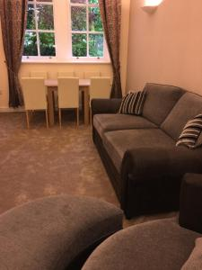 A seating area at Springhill Court