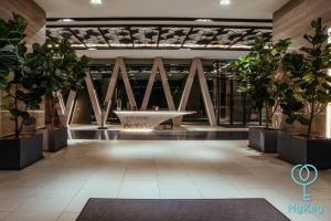 El vestíbulo o zona de recepción de Expressionz Professional Suites by MyKey Global