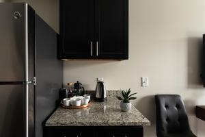 A kitchen or kitchenette at Oliver 12 South