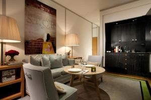 A seating area at Portrait Roma - Lungarno Collection