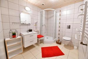A bathroom at Willa Bachledówka